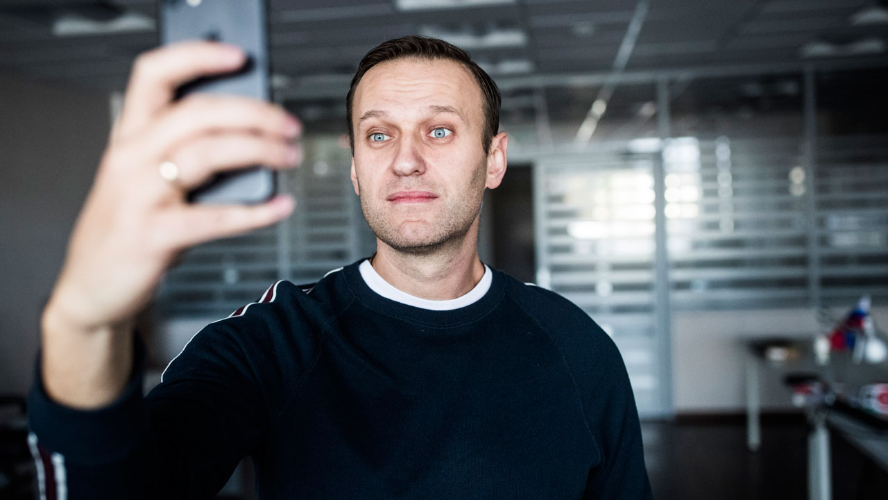 Navalny fights to run against Putin in Russia election