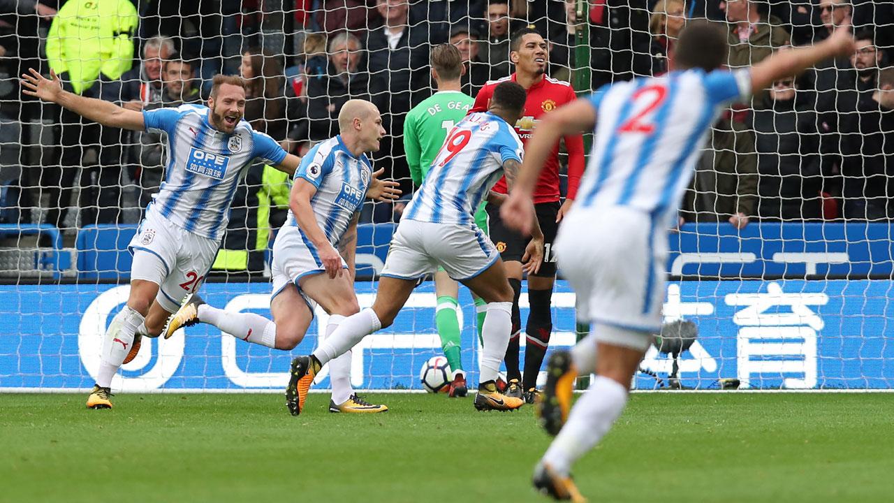 Man Utd crash to defeat at Huddersfield