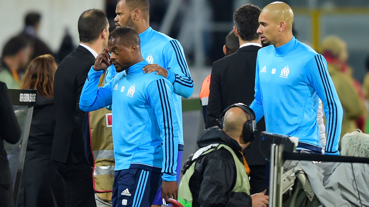 'Karate kick' Evra leaves Marseille, banned until June 30