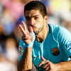 Suarez double stretches Barca