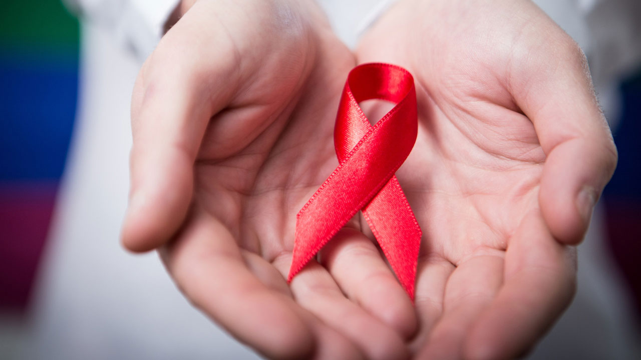 Apple supports World AIDS Day with App Store, Apple Pay takeovers