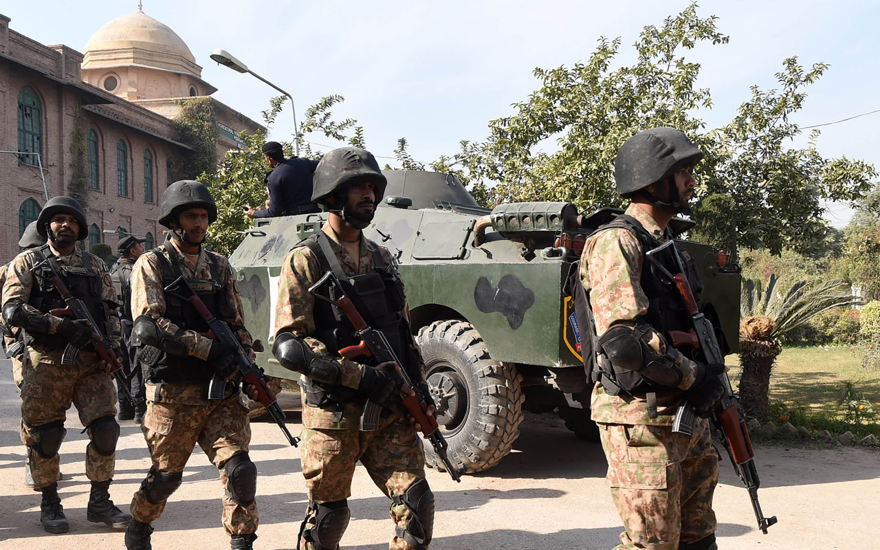 Pakistani Taliban claim attack that killed 11 soldiers