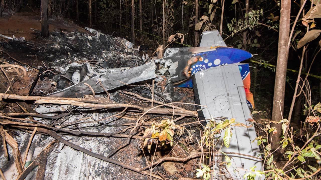 Ten Americans killed when plane crashes and burns in Costa Rica