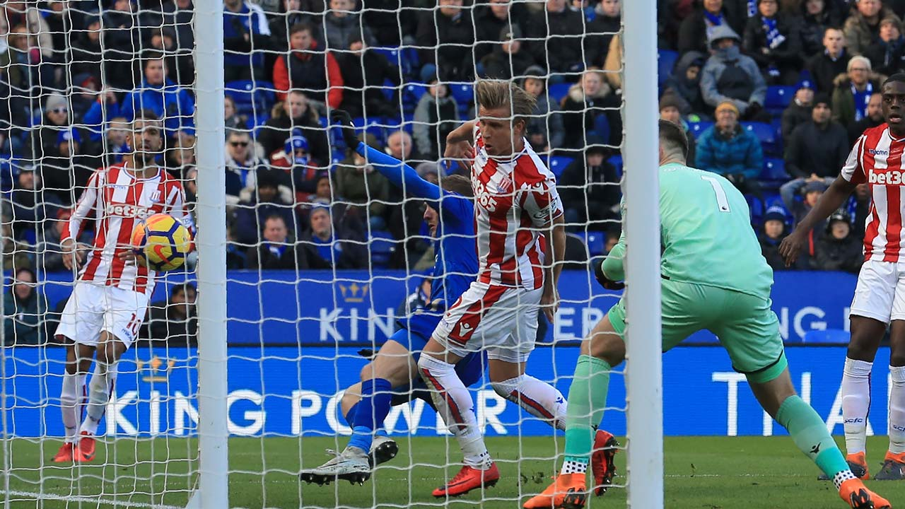 Leicester hold Stoke 1-1 in EPL