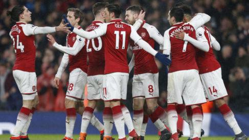 Aubameyang bags debut goal, Ramsey treble as Arsenal crush Everton