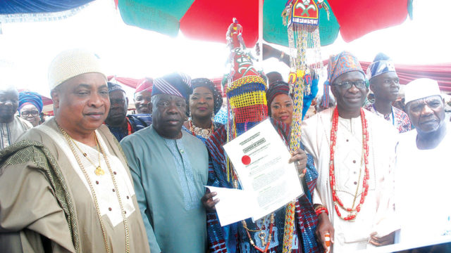 Olabinjo gets staff of office as Eleposo of Eposo in Ogun