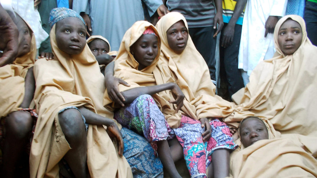 Nigerian president meets released Dapchi schoolgirls