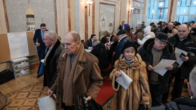 Opposition, NGO cry fraud in Russian polls