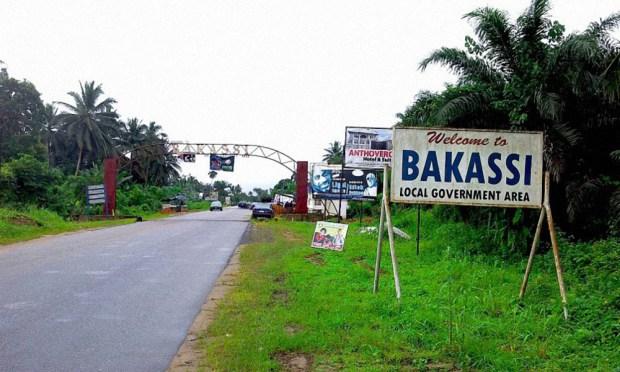 Bakassi IDPs accuse customs of diversion of relief materials, threaten sack