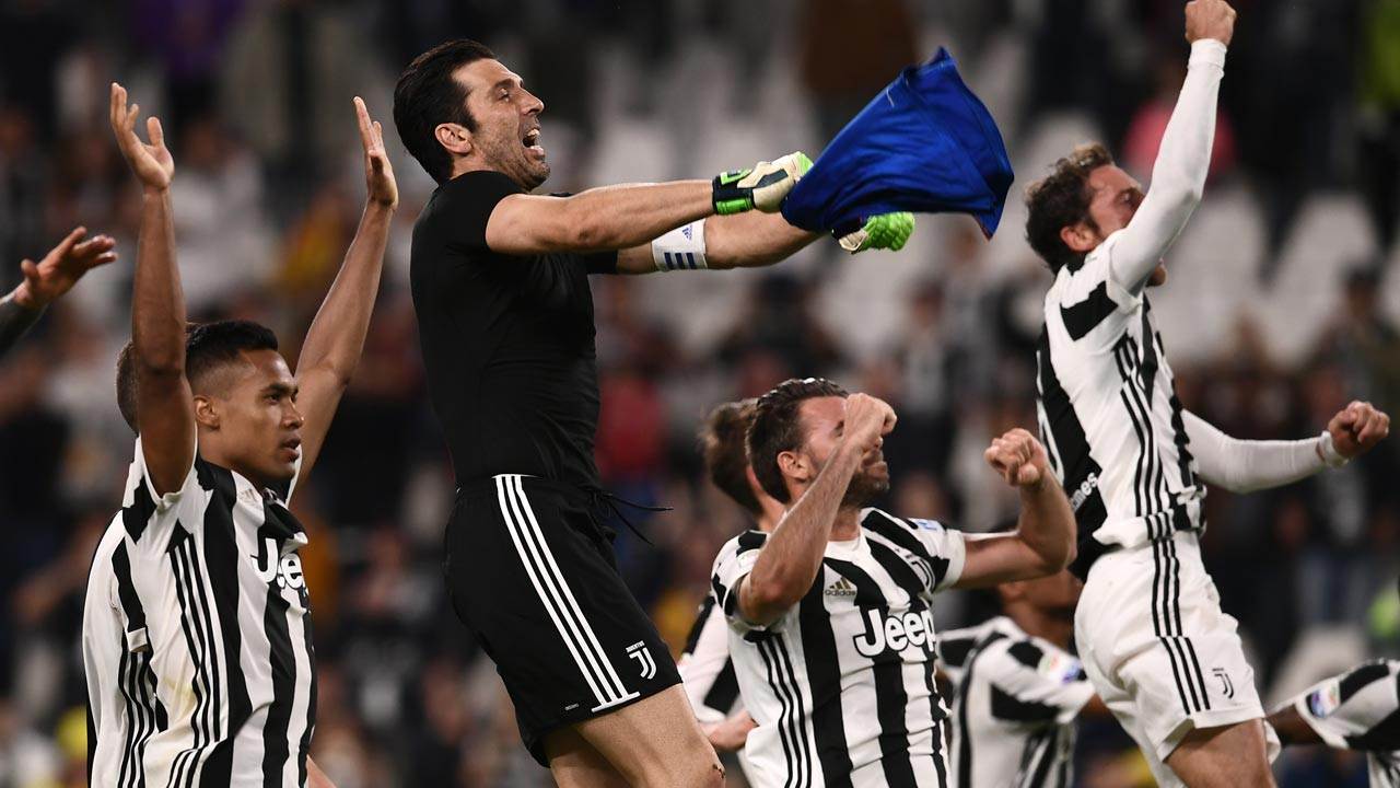 Hamsik Nets 100th Serie A Goal As Napoli Title Hopes Fade