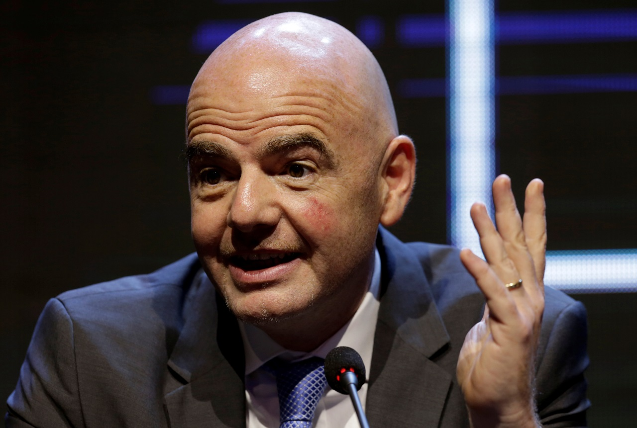 FIFA threatens to ban breakaway leagues' players from World Cup