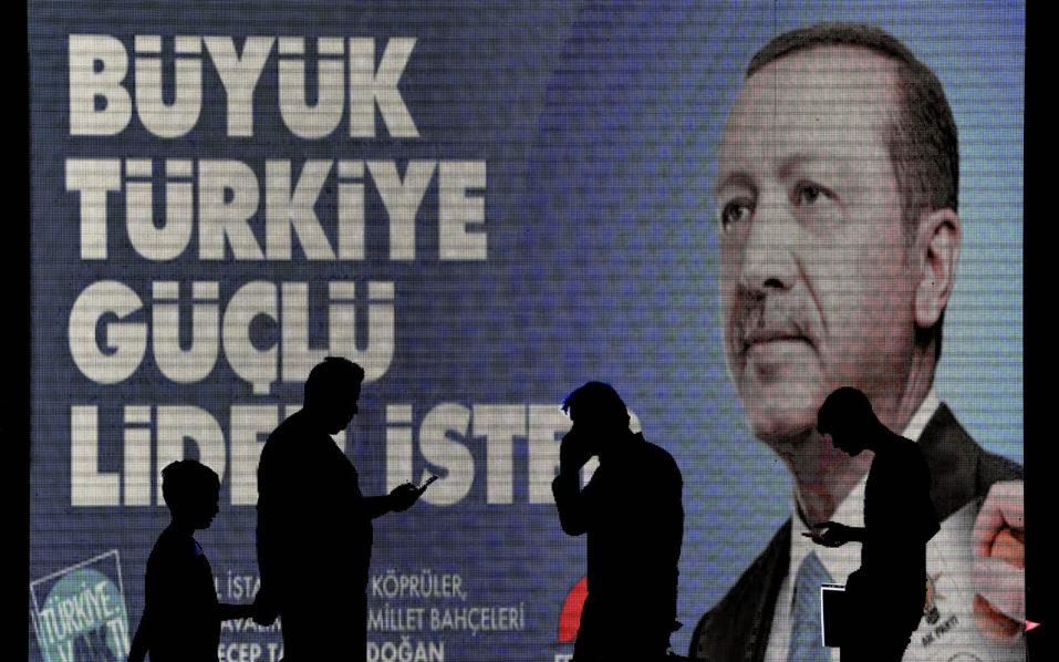 Erdogan faces biggest challenge in tight Turkey polls