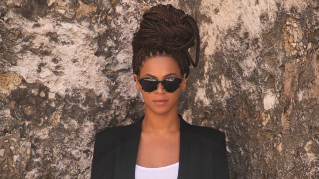 12 Trendy Ways To Style Box Braids