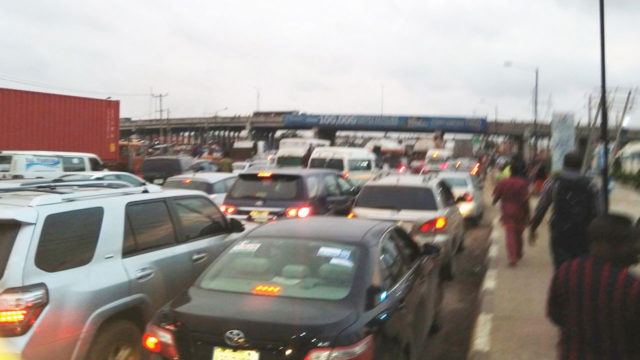Lagos suspends approval of new tank farms over Apapa gridlock