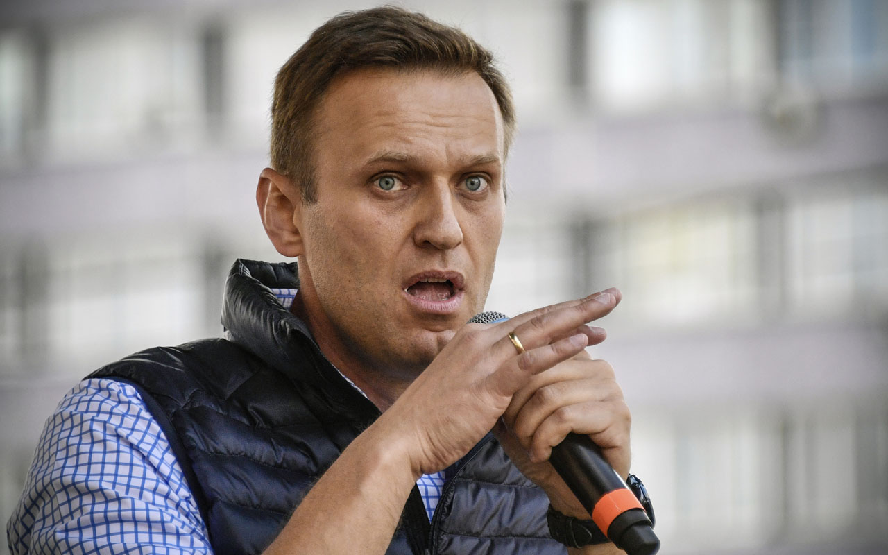 Russia freezes assets of Kremlin critic Navalny's anti ...