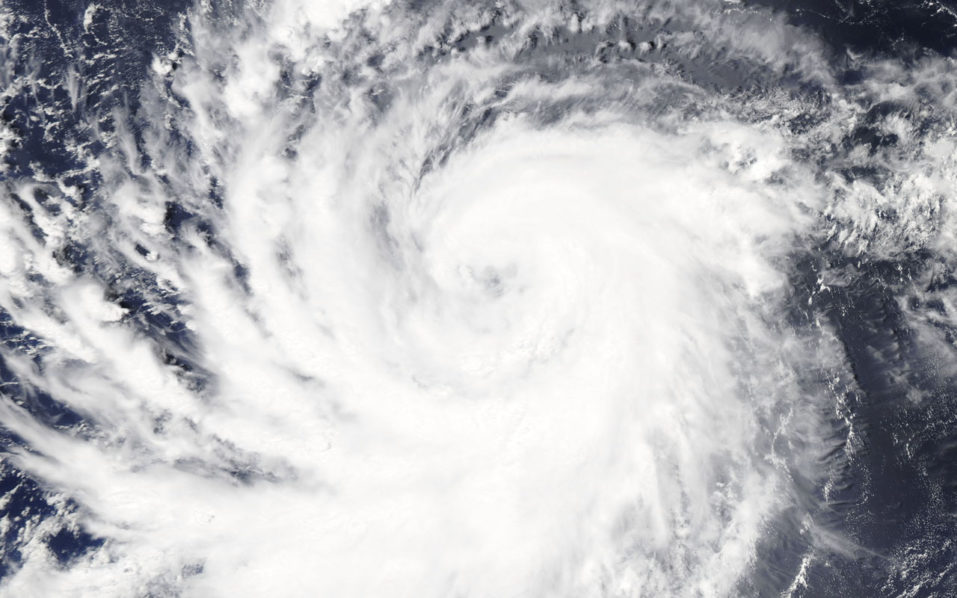 Hawaii residents on alert as Hurricane Lane gathers strength