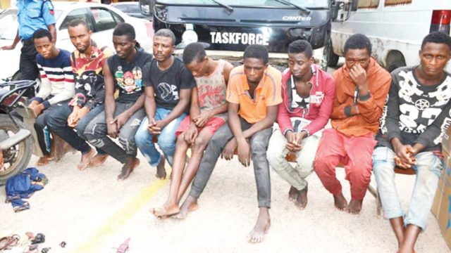 Two police informants, six others arrested for alleged robbery
