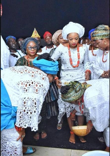 Prophetess Naomi performing marriage rites