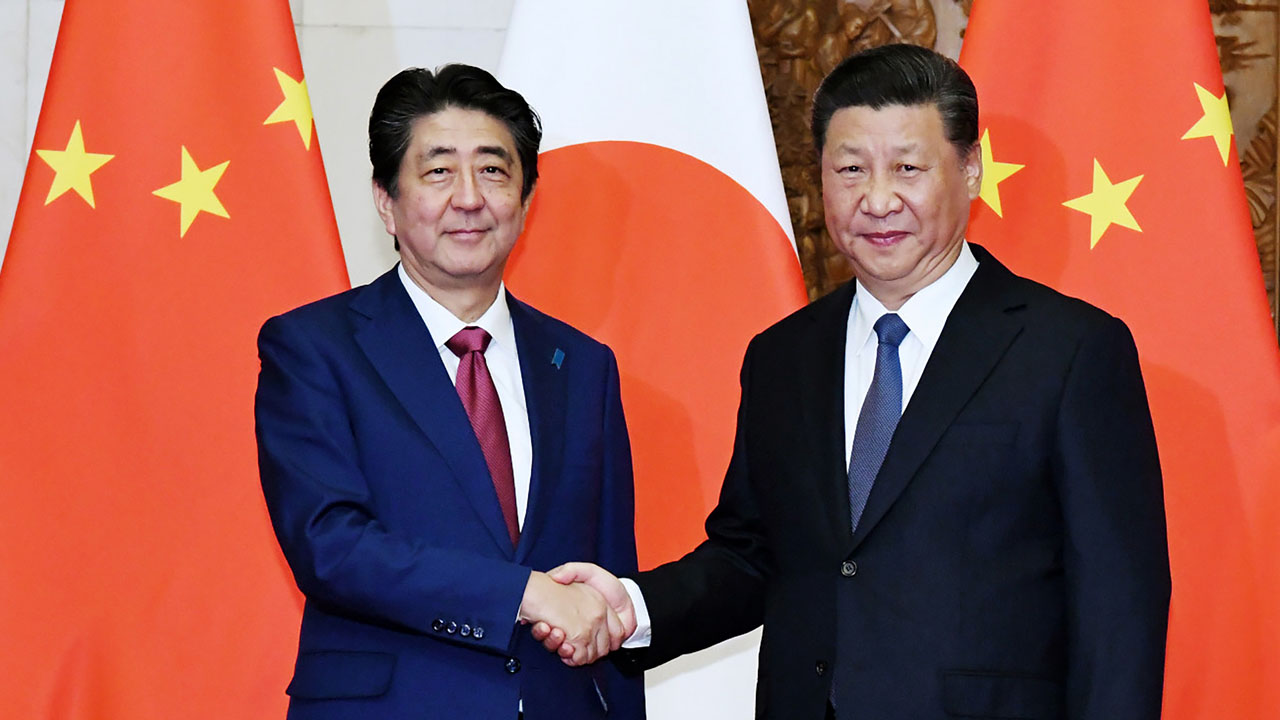 Li and Abe announce China-Japan deals, commit to stable relations