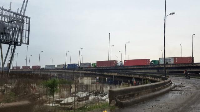 Bribes, beatings and gridlock at ports choke Nigeria economy