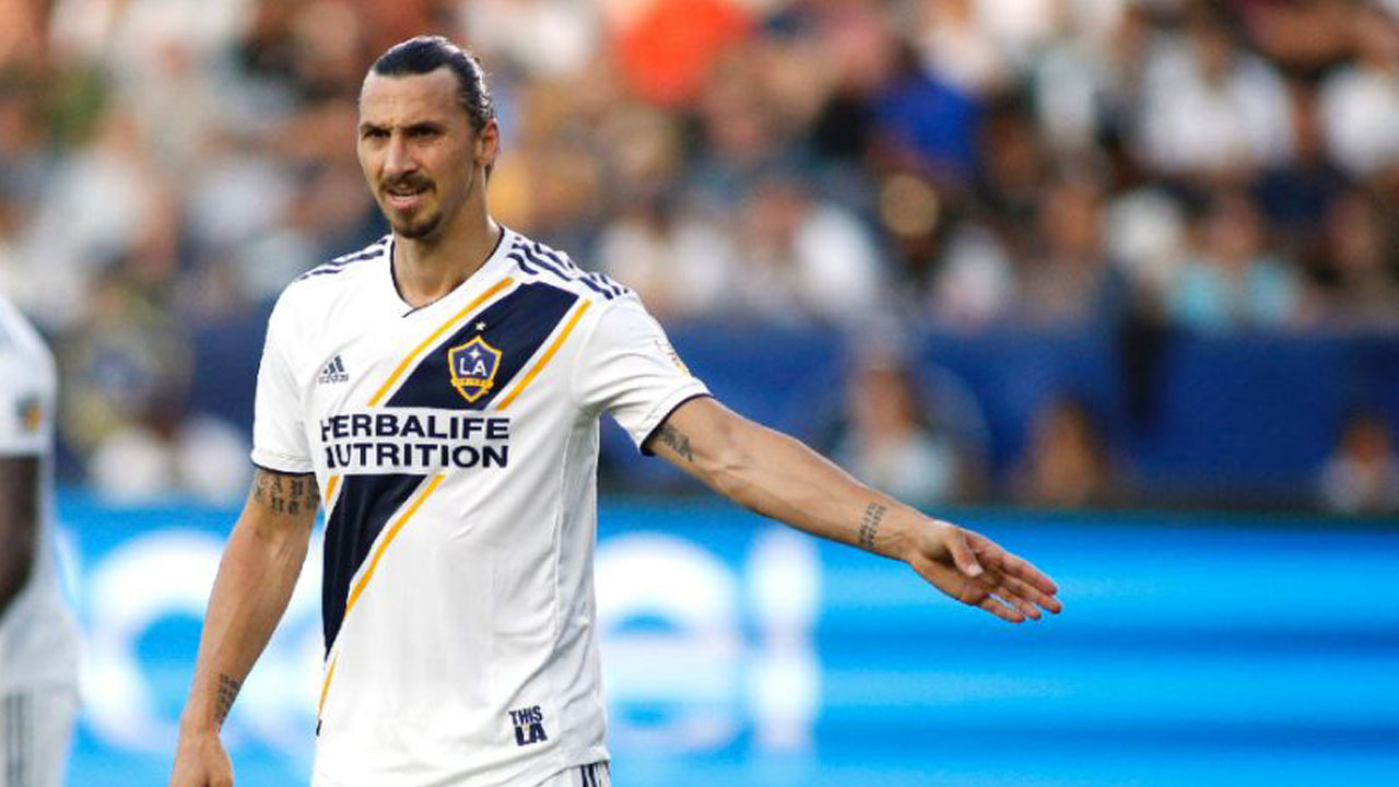 Ibrahimovic hit with ban after neck grab