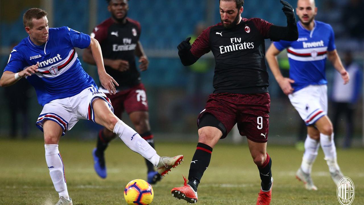 Chelsea consider Willian sale, but not Hudson-Odoi