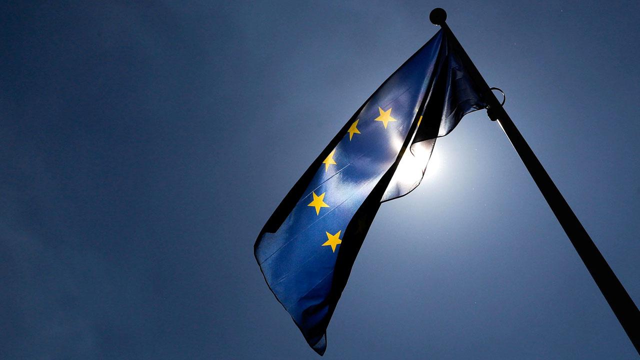 EU pushes for crackdown on 'golden visas'
