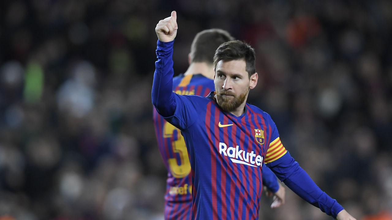 'Monstrous' Messi scores 400th La Liga goal, sends Barca ...