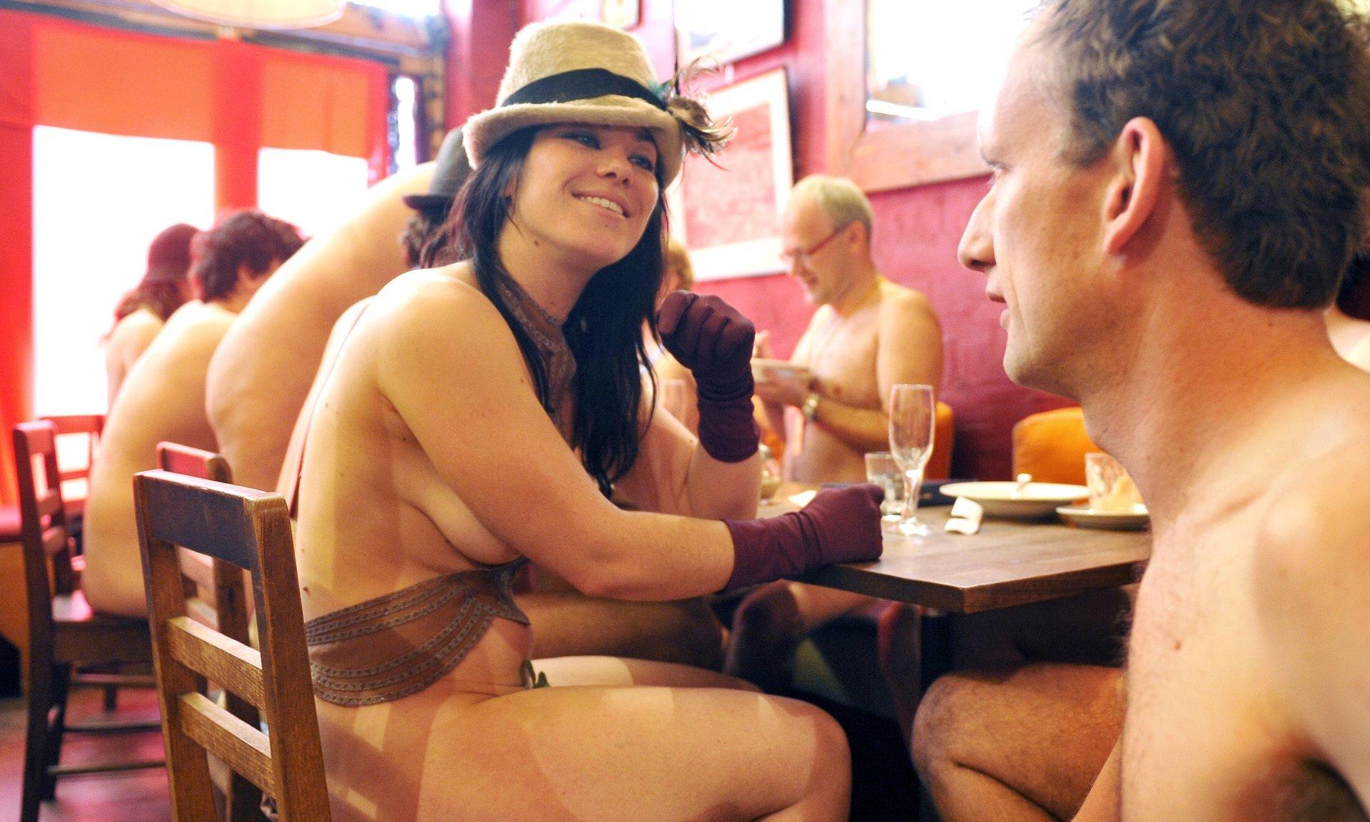 Finest Nude Restaurant Paris Png