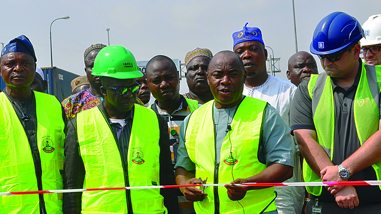 FG opens bridge to ease Apapa traffic, completes Tincan Trailer Park in May