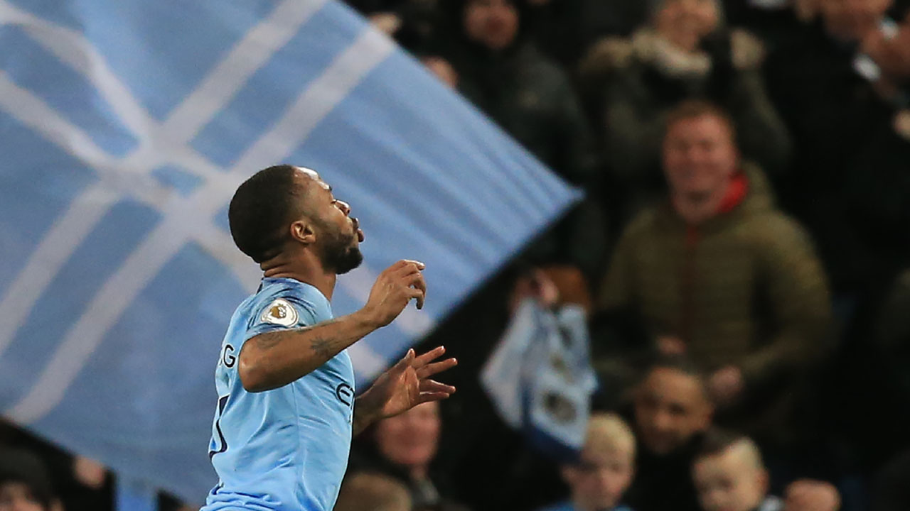 Raheem Sterling hailed as one of world's best by Kompany