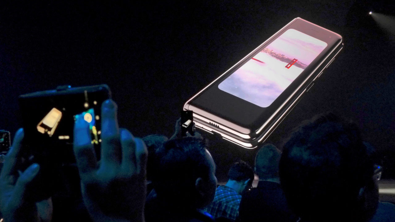 Breaking screens delay launch of Samsung's folding Galaxy smartphone
