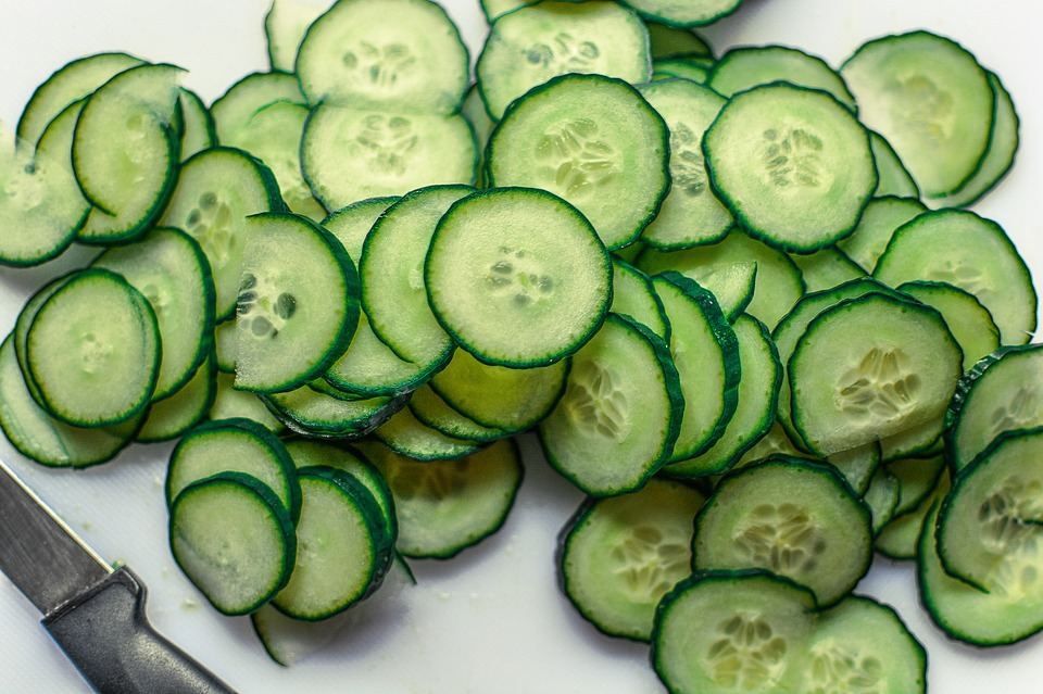 4 Ways Cucumber Benefits The Face