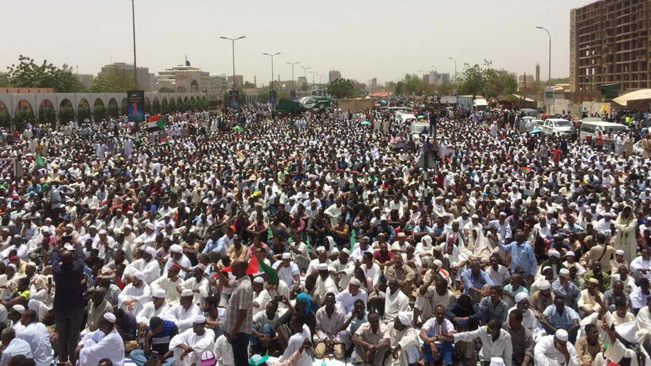 Sudan new military rulers offer dialogue as protests rage