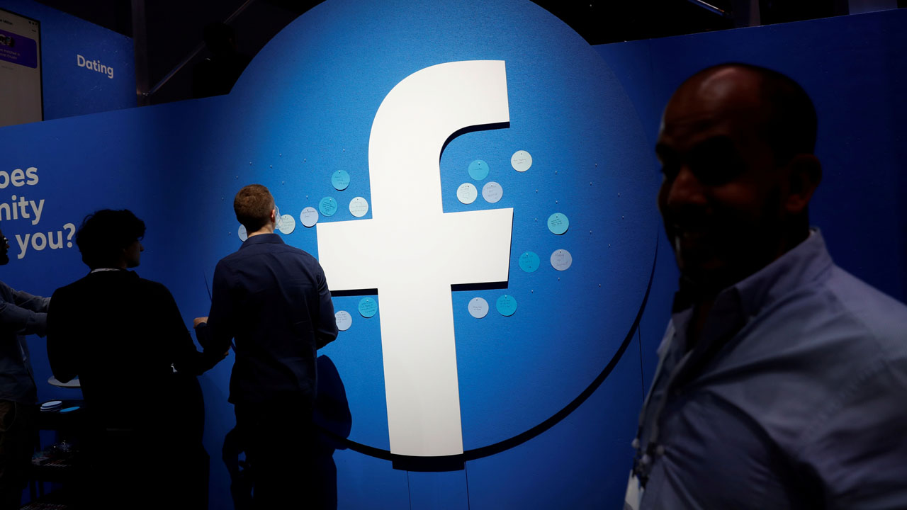 Facebook services back online after worldwide outage