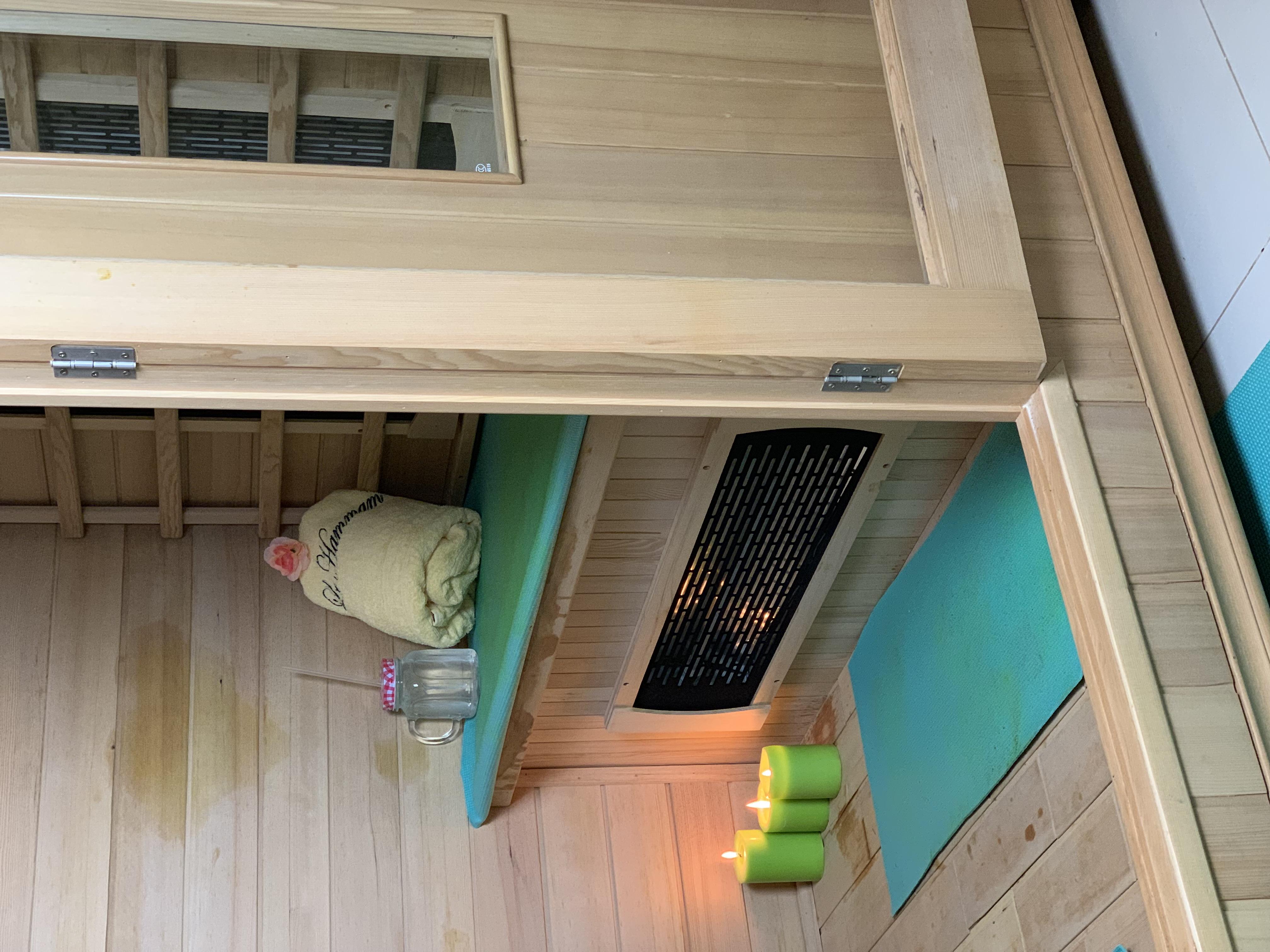 Le Hammam sauna room