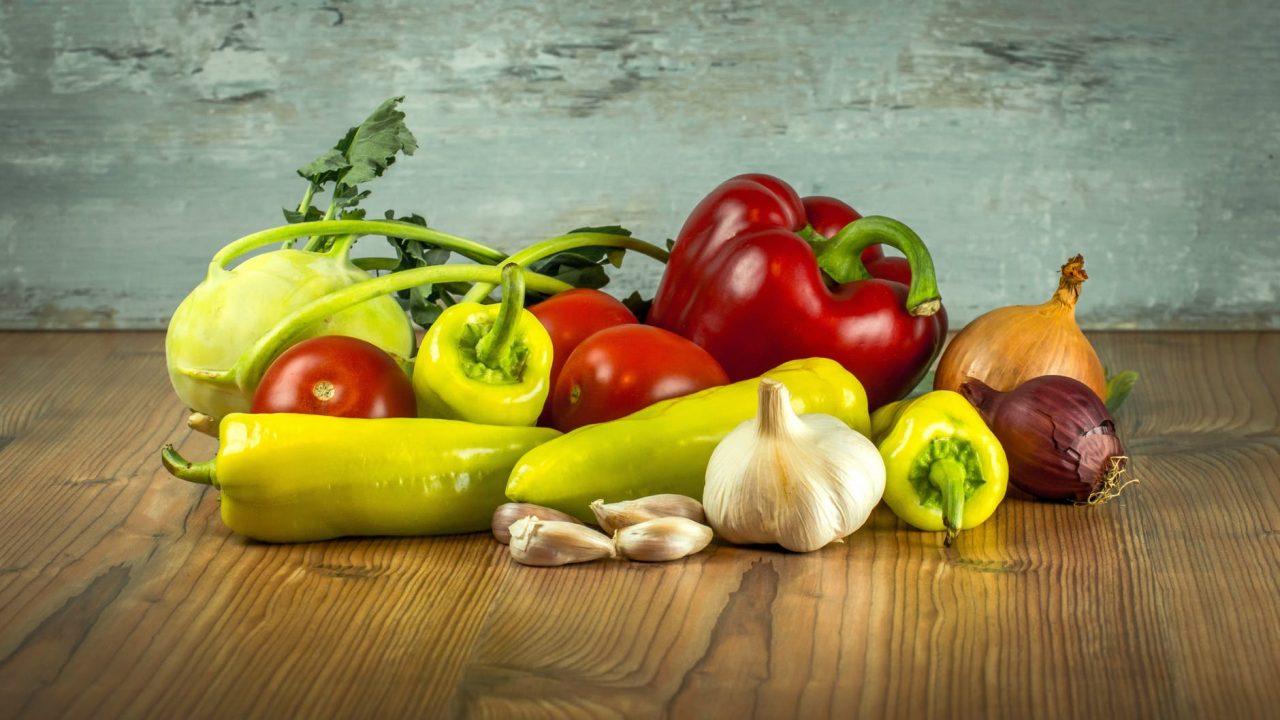 Spicy food ingredients - Ginger, pepper, garlic