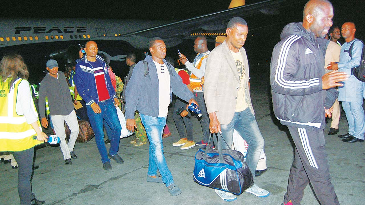 Hundreds of Nigerians to take free evacuation from SA