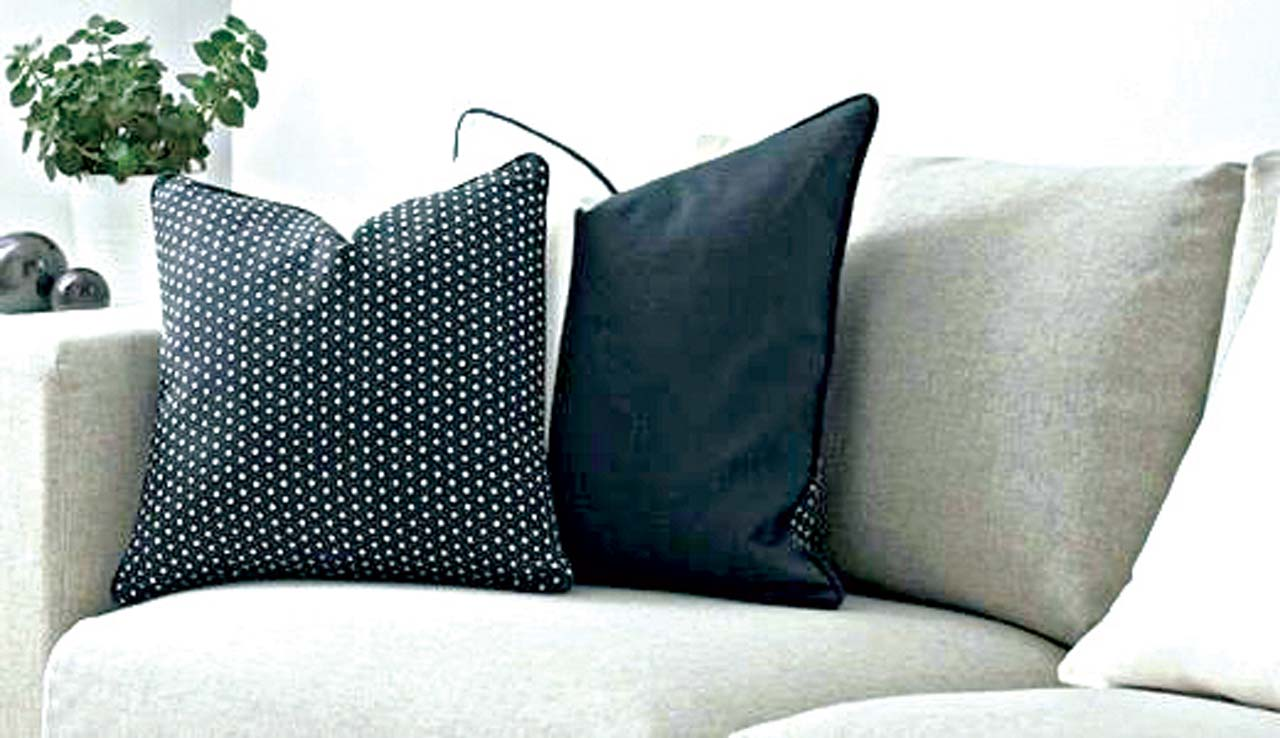 Spice up your interior with throw pillows