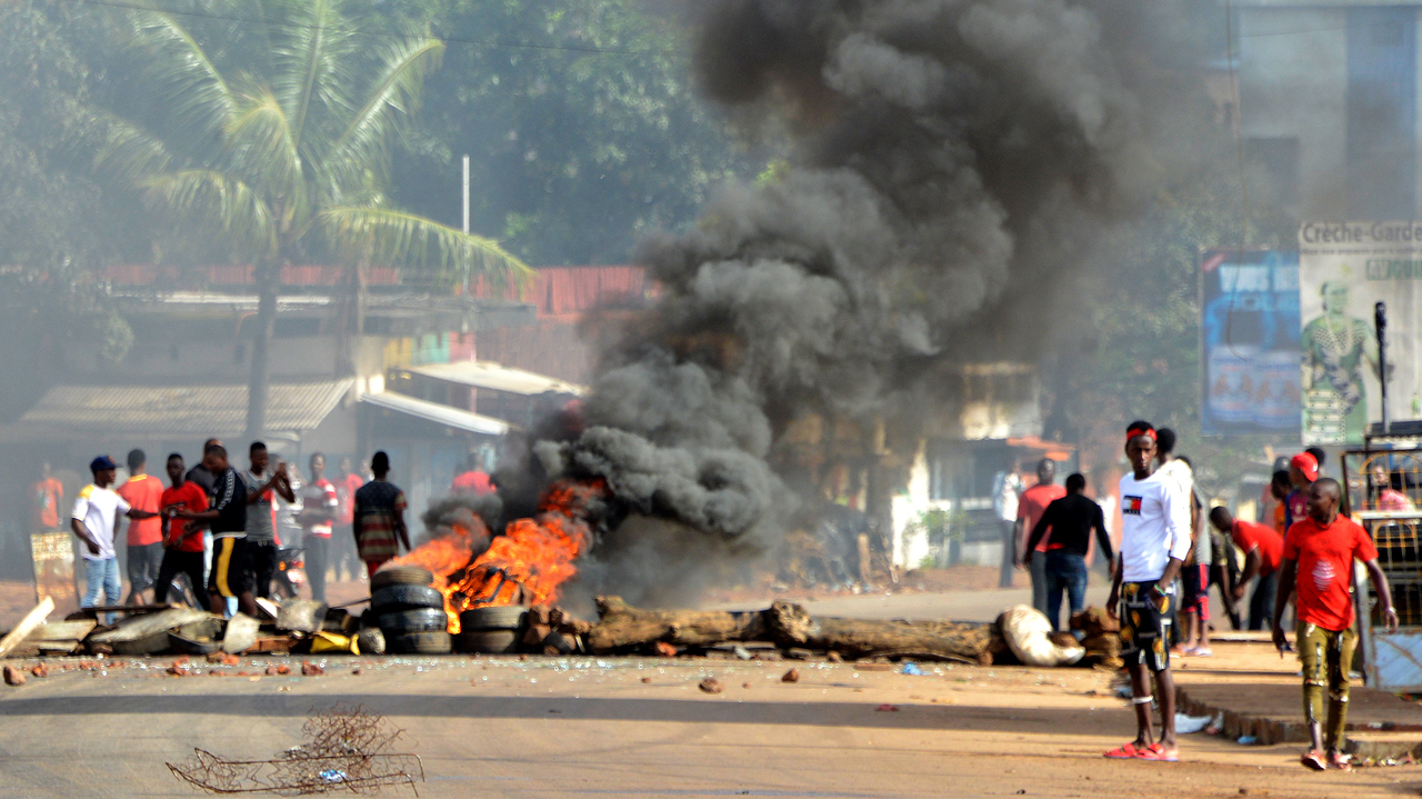 Guinea opposition trial suspended as more protests erupt