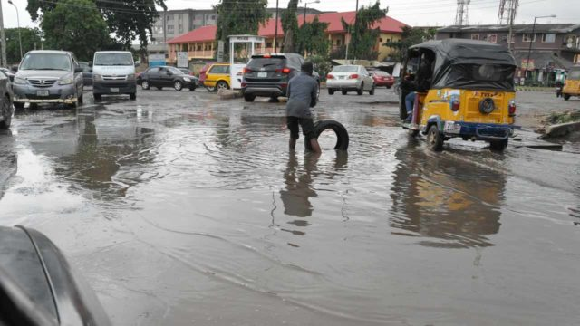 Motorists decry poor condition of Lagos roads - Guardian