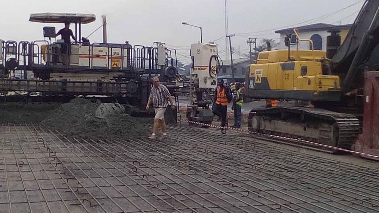 Image result for Fashola inspects rehabilitation of Apapa, Oshodi roads