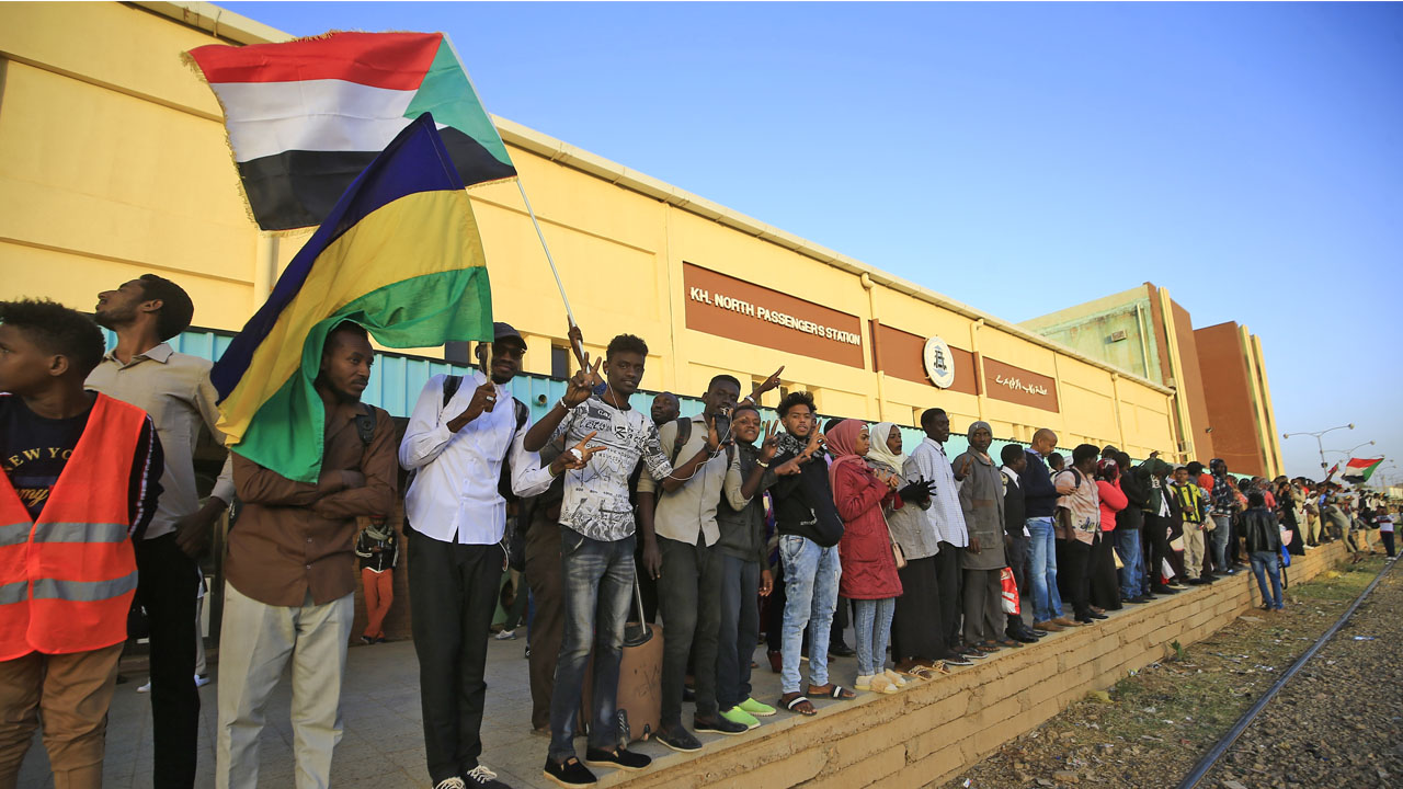 Sudan foreign aid deal to give cash to poor families thumbnail