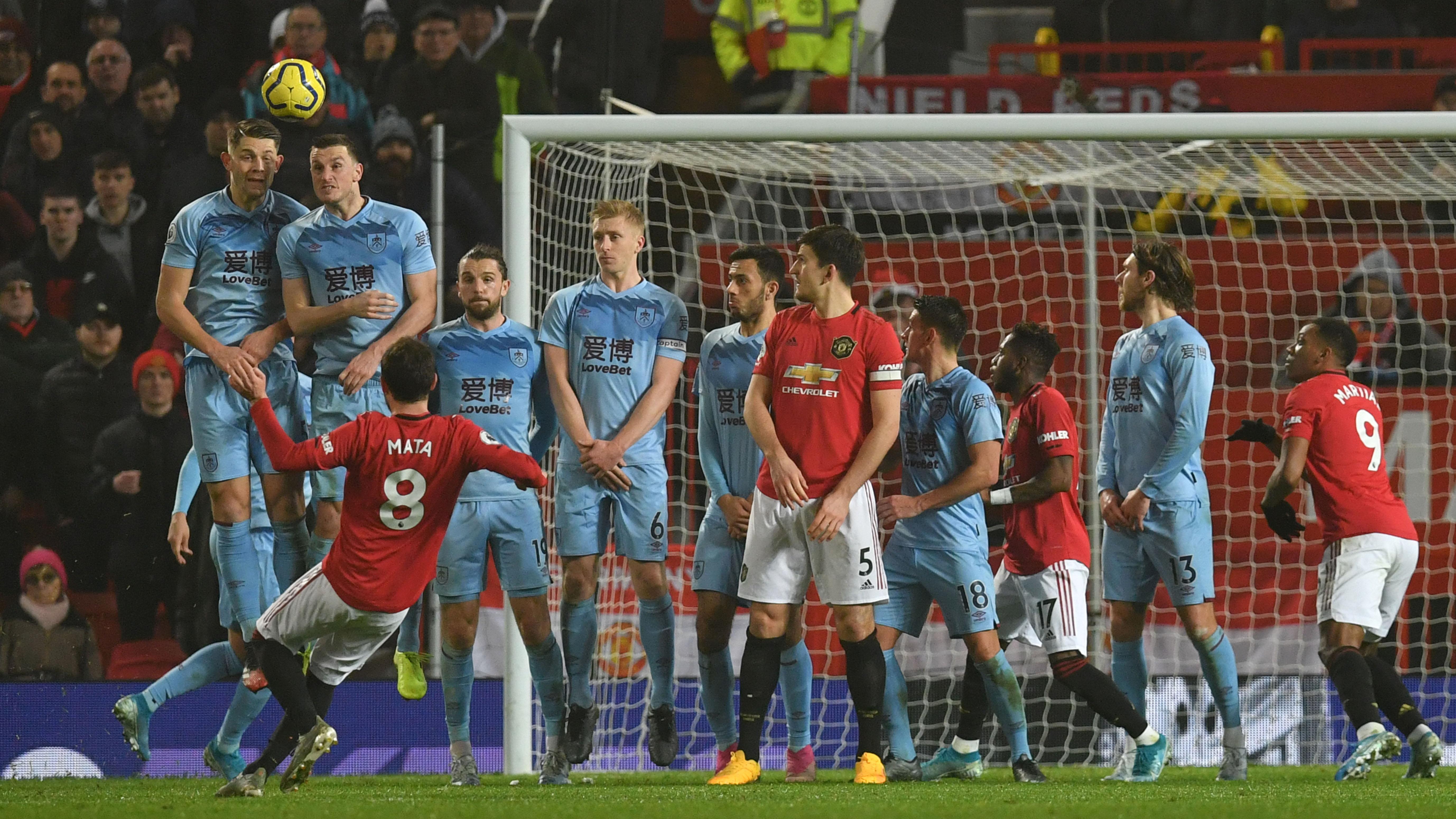 Man Utd hit new low in dismal Burnley loss