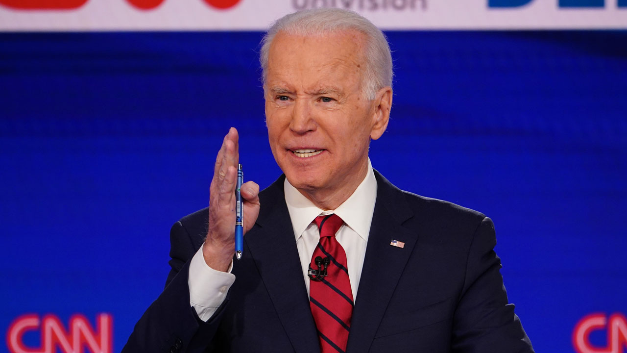 Biden wins Florida, Illinois as coronavirus disrupts voting