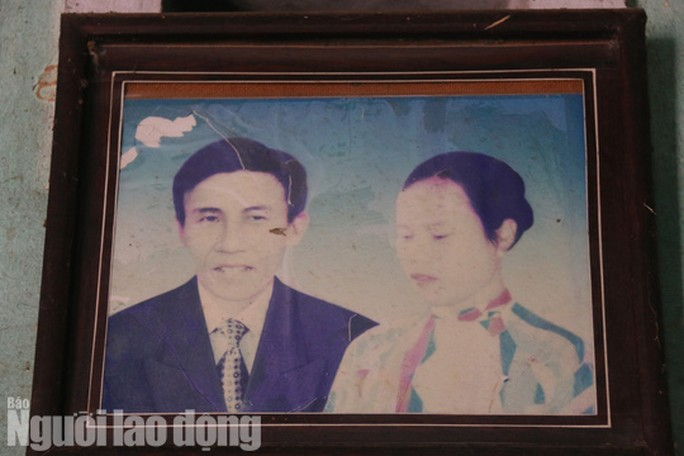 Le Van and his late wife