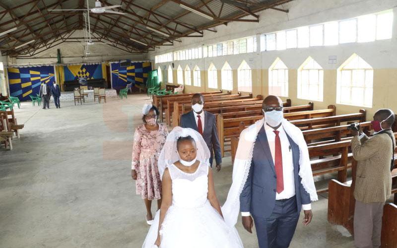 Jackline Torori weds Job Mogire. SDE