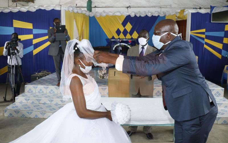 Jackline Torori weds Job Mogire.