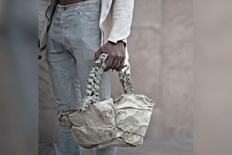 Spine handbag