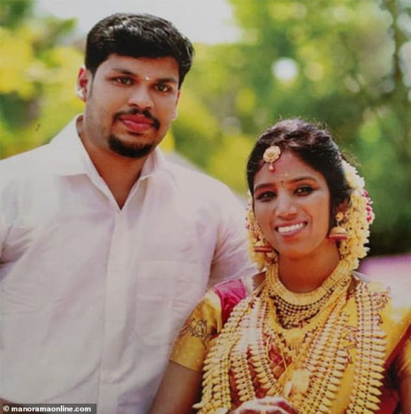 Sooraj with his wife Uthra | Image: Daily Mail